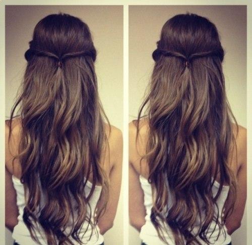 летние прически на длинные волосы, два жгута в один
