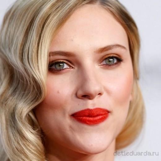 макияж для зеленоглазых блондинок на примре Скарлетт Йоханссон (19)