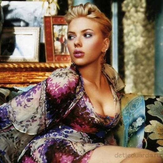 макияж для зеленоглазых блондинок на примре Скарлетт Йоханссон (3)
