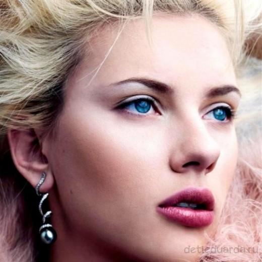 макияж для зеленоглазых блондинок на примре Скарлетт Йоханссон (5)