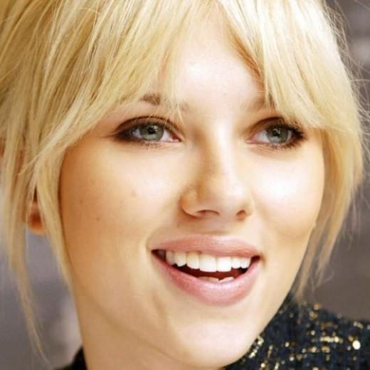 макияж для зеленоглазых блондинок на примре Скарлетт Йоханссон