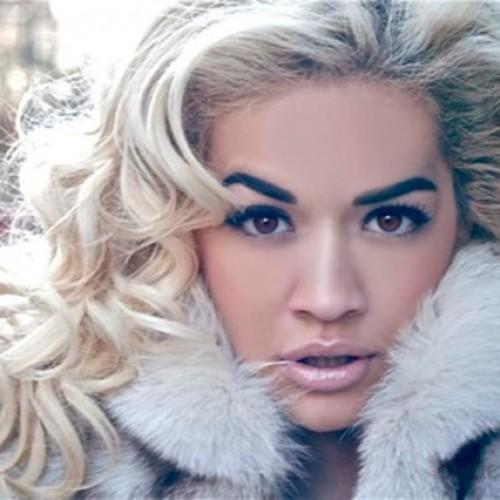 макияж для кареглазой блондинки Рита Ора (13)